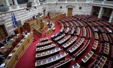«Όργιο» τροπολογιών του ΣΥΡΙΖΑ μέσα στις γιορτές