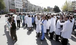 Σε θέσεις μάχης παραμένουν οι ιατρικοί σύλλογοι για την πρωτοβάθμια φροντίδα