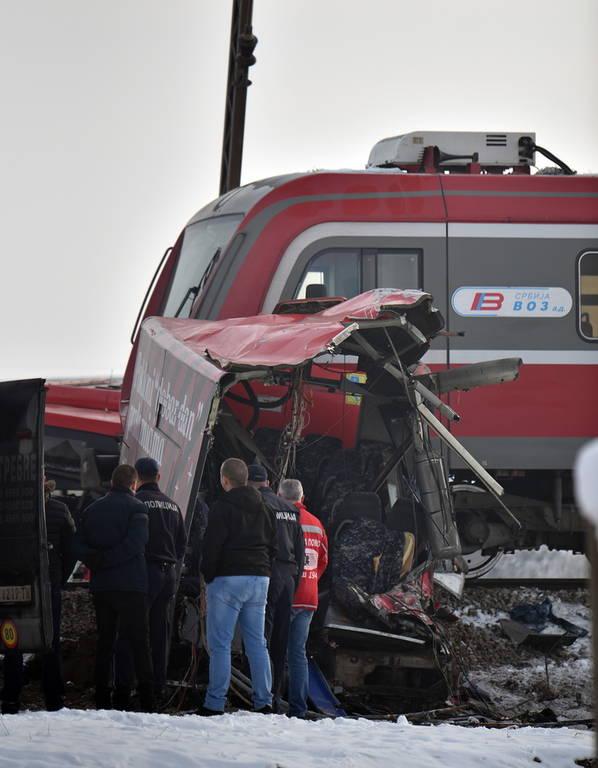 Τραγωδία στη Σερβία: Τρένο συγκρούστηκε με λεωφορείο - Πέντε νεκροί