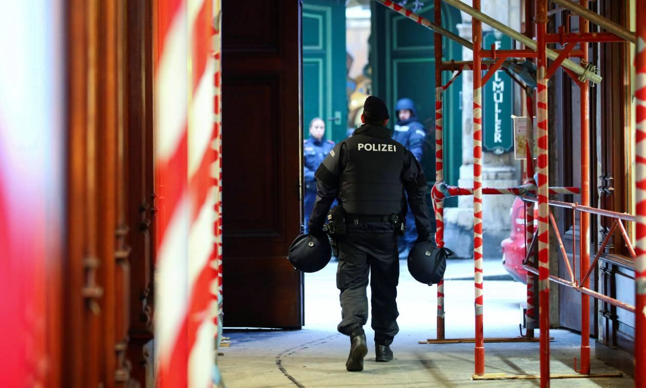 Πυροβολισμοί στη Βιέννη: Όλα όσα γνωρίζουμε για τη φονική επίθεση (Pics)