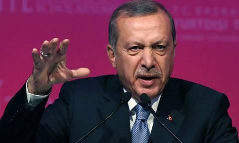 Ετοιμάζει σφαγή ο Ερντογάν: Ως σαρκοβόρο όρνεο περιμένει την αποχώρηση του αμερικανικού στρατού