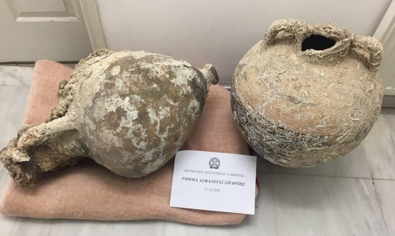 Λακωνία: Σύλληψη 59χρονου - Έκρυβε αμφορείς προ Ρωμαϊκών χρόνων στο σπίτι του