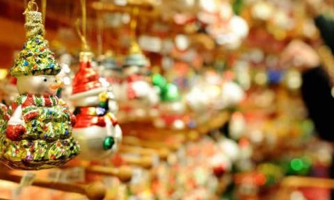Εορταστικό ωράριο Σάββατο 22/12: Τι ώρα κλείνουν καταστήματα και σούπερ μάρκετ σήμερα