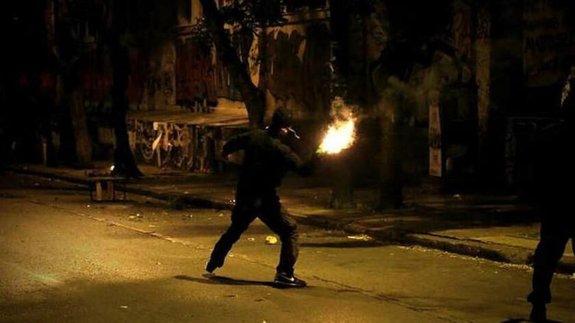 Αντιεξουσιαστές: Επιτεθήκαμε με μολότοφ στο Γ΄ Σώμα Στρατού στη Θεσσαλονίκη