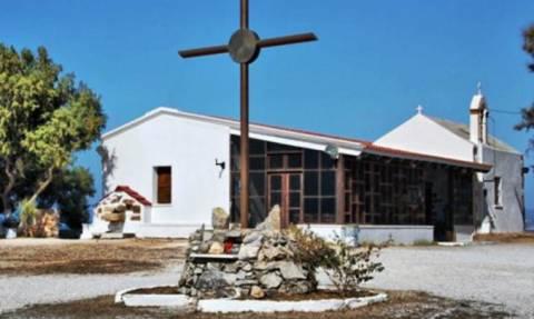 Χανιά: Βανδάλισαν το εκκλησάκι των Αγίων Αποστόλων (pics)