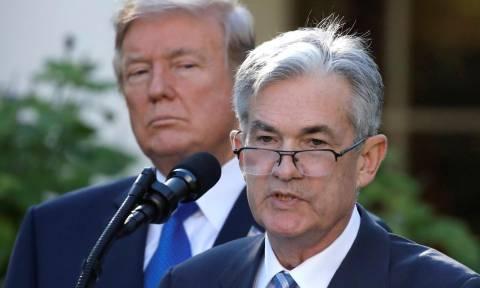 Στο στόχαστρο του Ντόναλντ Τραμπ ο πρόεδρος της Fed - Εξετάζει την αποπομπή του
