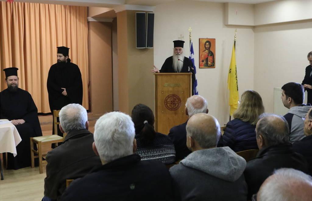H Διαρκής Ιερά Σύνοδος προσέφερε βοήθεια 150.000 ευρώ σε 300 πληγείσες οικογένειες (pics)