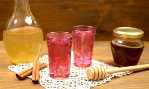 Guardian: Το ρακόμελο ανάμεσα στα 10 καλύτερα ποτά για τον χειμώνα!