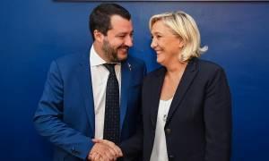 Die Zeit: «Φόβος και τρόμος» για την Ευρώπη η άνοδος της Ακροδεξιάς