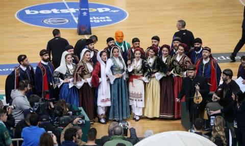 Παναθηναϊκός ΟΠΑΠ-ΑΕΚ: Στο ΟΑΚΑ ο Όμιλος Βρακοφόρων Κρήτης (videos)