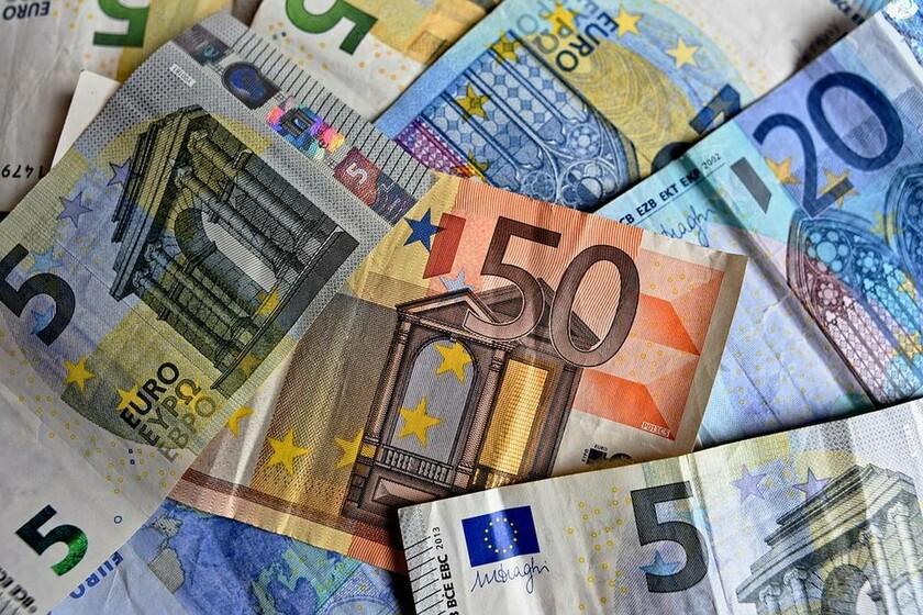 «Βόμβα» στις τσέπες μας: Ποιοι θα πληρώσουν «χαράτσι» 850 ευρώ