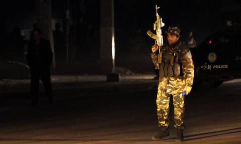 Αφγανιστάν: Ένοπλοι άνοιξαν πυρ σε κυβερνητικό κτήριο - Τουλάχιστον 30 νεκροί