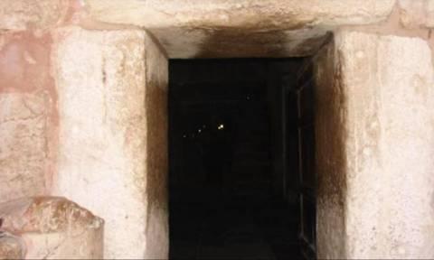 Μπείτε στο σπήλαιο της Βηθλεέμ και ζήστε το μεγαλείο της γέννησης του Θεανθρώπου