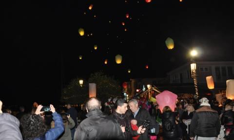 Χριστούγεννα στην Πρέβεζα: Οι ευχές έγιναν αστέρια και φώτισαν τον ουρανό (pic)