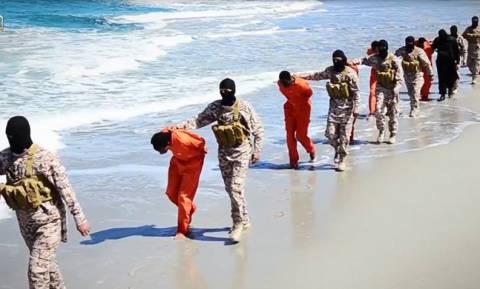Λιβύη: Οι αρχές εντόπισαν μαζικό τάφο με 34 σορούς Χριστιανών σε πρώην προπύργιο του ΙΚ