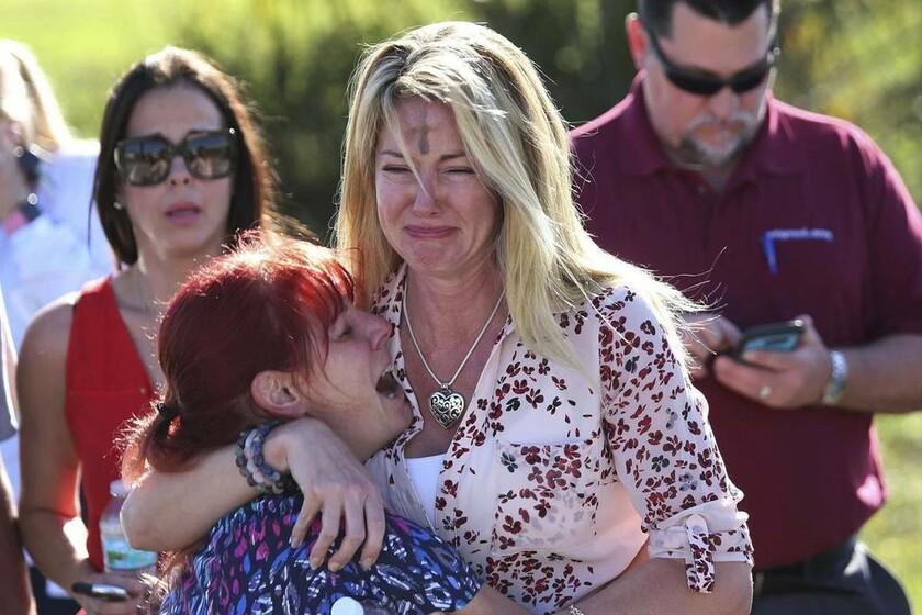 14 Φεβρουαρίου - ΗΠΑ (Φλόριντα): 17 νεκροί από πυροβολισμούς στο λύκειο Μάρτζορι Στόουνμαν Ντάγκλας στην Πάρκλαντ