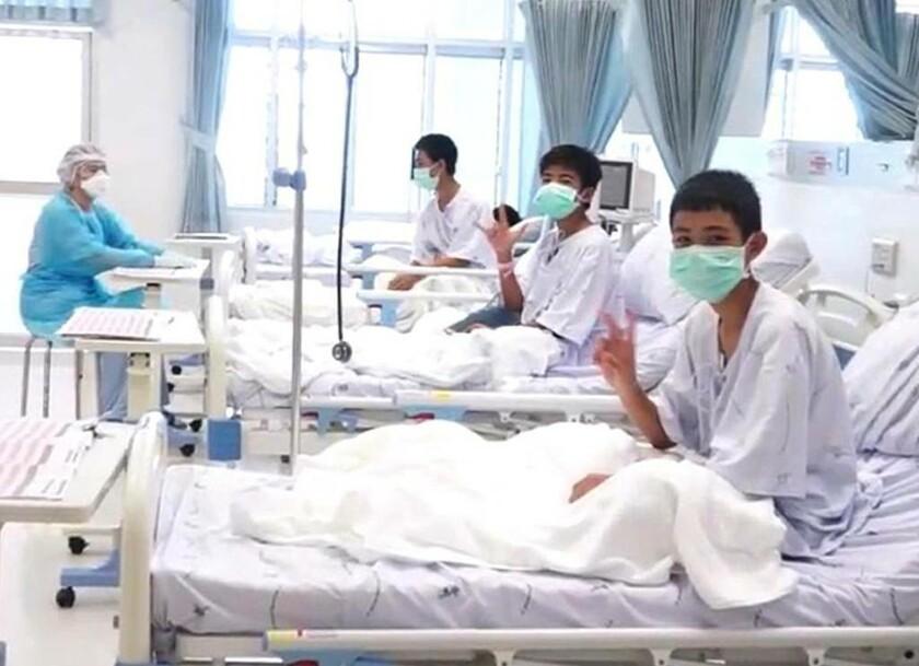 11 Ιουλίου - Ταϊλάνδη: Οι 12 μικροί ήρωες αναρρώνουν στο νοσοκομείο