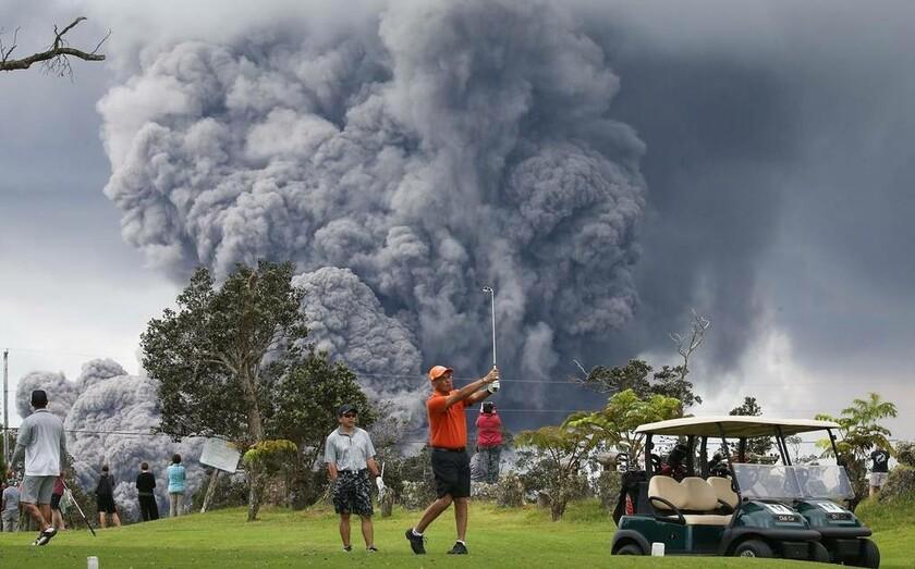 15 Μαΐου - ΗΠΑ: Το γκολφ ποτέ δεν σταματάει. Ακόμα και όταν πίσω σου υπάρχει ένα ηφαίστειο