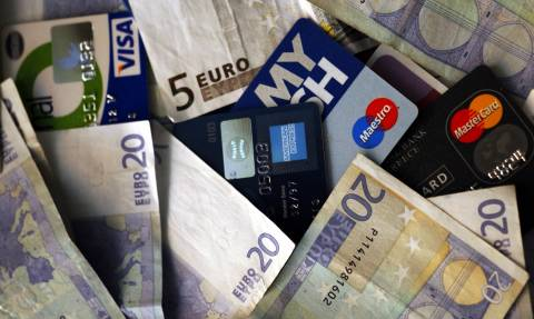 Προσοχή: Τέλος τα μετρητά, αλλιώς έρχονται πρόστιμα!