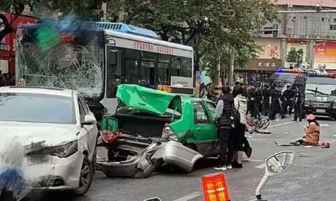 Κίνα: Άνδρας σε αμόκ έκανε πειρατεία σε λεωφορείο – Χωρίς δισταγμό θέρισε πεζούς και μοτοσικλετιστές