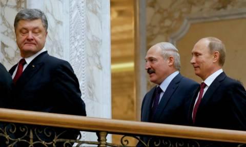 Δεν «πέρασε» ο εκβιασμός της Ουκρανίας: Ο Πέτρο Ποροσένκο αίρει τον στρατιωτικό νόμο