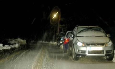 Καιρός ΤΩΡΑ: Διακοπή κυκλοφορίας στην Πάρνηθα - Μόνο με αλυσίδες από το τελεφερίκ και πάνω