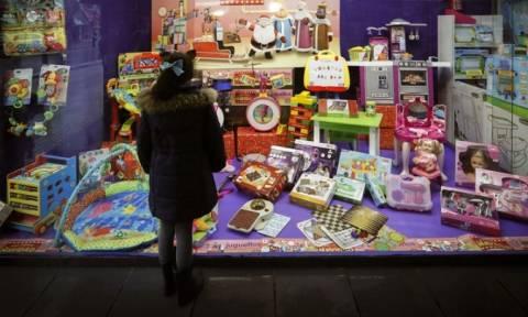 Εκτός εαυτού: 9χρονος κάλεσε την αστυνομία γιατί δεν του άρεσαν τα χριστουγεννιάτικα δώρα του