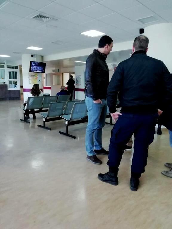 Έκρηξη Κολωνάκι: Ο Κικίλιας επισκέφτηκε τον αστυνομικό που τραυματίστηκε