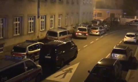Τρόμος στη Βιέννη από επίθεση σε εκκλησία: Πέντε μοναχοί τραυματίες (pics+vid)