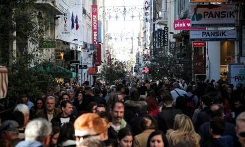 Αισιόδοξοι οι έμποροι για την αγοραστική κίνηση των εορτών