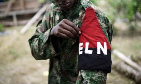 Κολομβία: Οι αντάρτες του ELN απελευθέρωσαν μηχανικό που είχαν απαγάγει πριν από ένα χρόνο (pic)