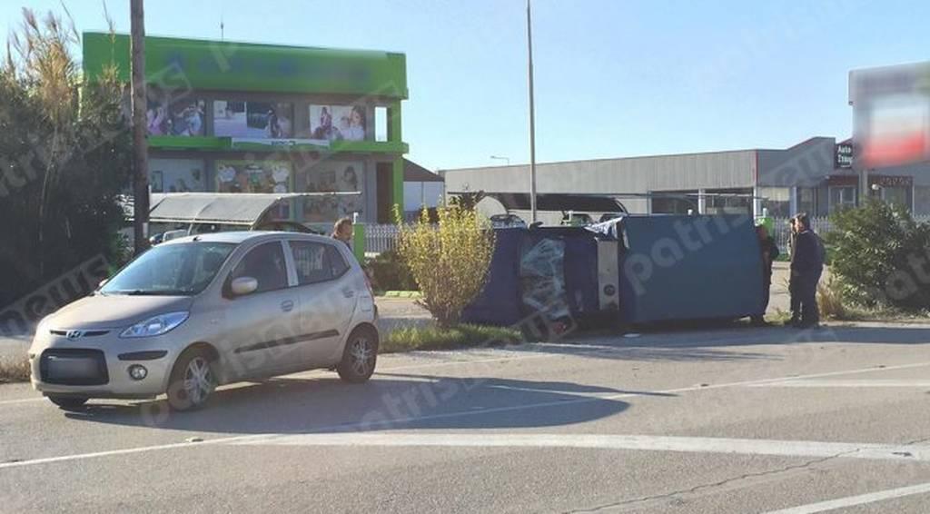 «Τούμπαρε» αυτοκίνητο στην Εθνική οδό Πύργου - Πατρών (pics)