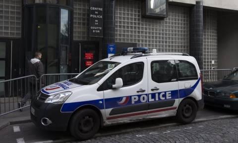 Μυστήριο στο Παρίσι: Συνελήφθη αστυνομικός που έφερε πάνω του εκρηκτικά (vid)