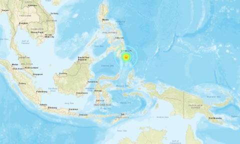 Μεγάλος σεισμός στις Φιλιππίνες - Συναγερμός για τσουνάμι (pics)