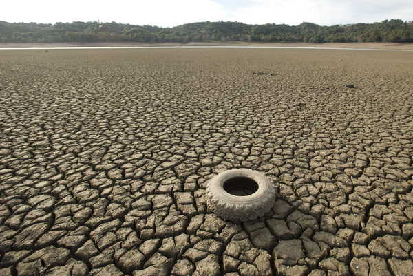 07182014 California Drought Dam Bed