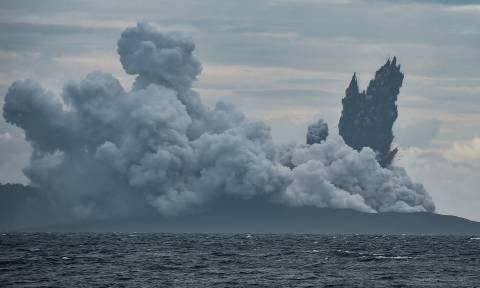 Φωτογράφισαν ξανά το φονικό ηφαίστειο Κρακατόα και έπαθαν σοκ με αυτό που ανακάλυψαν (Pics&Vids)