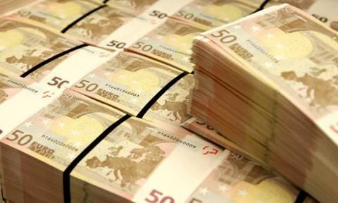 Απίστευτο! Ηλικιωμένη πήγε στο νοσοκομείο με 65.000 ευρώ σε… πλαστική σακούλα