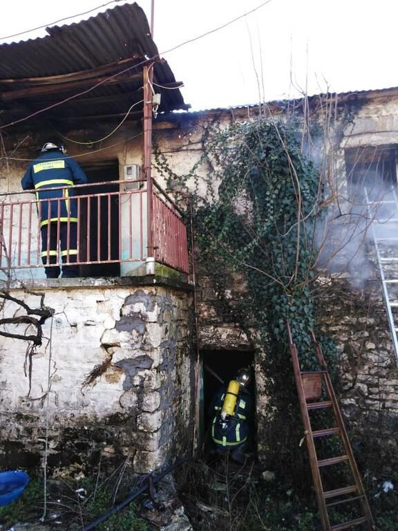 Ιωάννινα: Άγιο είχε γιαγιά 102 χρονών - Βγήκε ζωντανή από τις φλόγες (pics)