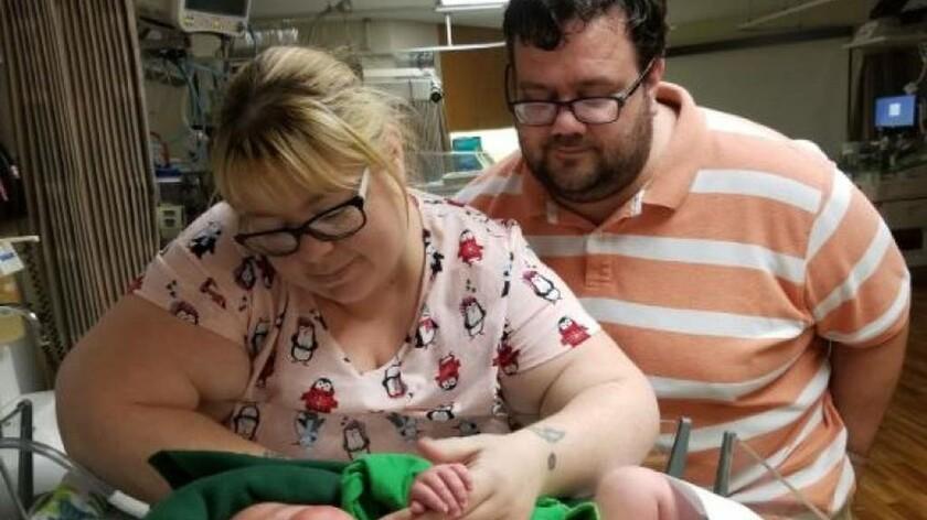 Απίστευτο: Μωρό-γίγαντας γεννήθηκε 6,3 κιλά και 54 πόντους