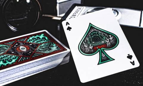 H καλύτερη τράπουλα για να παίξεις χαρτιά την Πρωτοχρονιά! (pics)