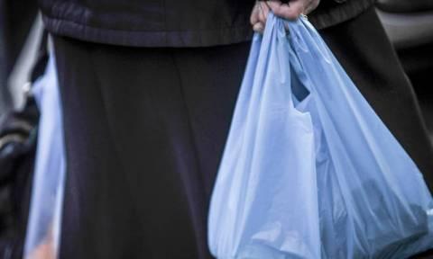 Αυξάνεται κατακόρυφα η τιμή της πλαστικής σακούλας - Πόσο θα κοστίζει από 1η Ιανουαρίου