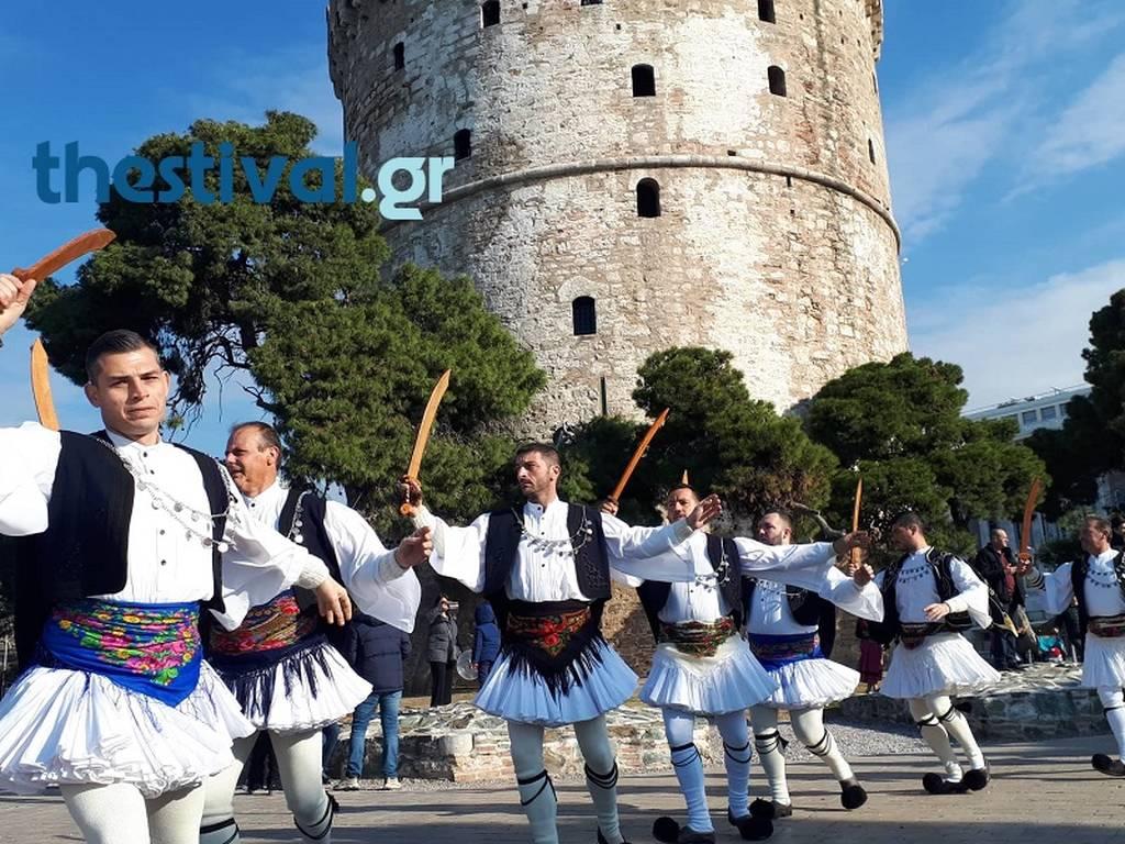 Θεσσαλονίκη: Οι Ρουγκατσάρηδες της Χαλάστρας ξεσήκωσαν την πόλη (pics+vid)