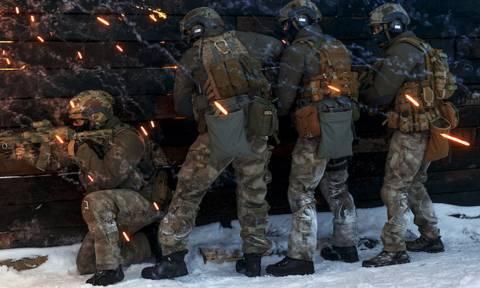 Διπλωματικό «θρίλερ» στη Μόσχα: Συνέλαβαν Αμερικανό με την κατηγορία της κατασκοπείας
