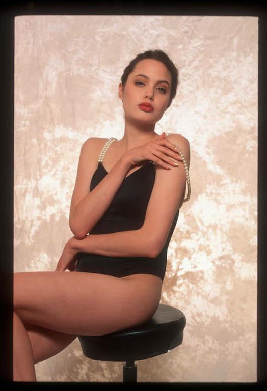 Viral: Αυτές είναι οι σέξι φωτογραφίες που η Αντζελίνα Τζολί δε θέλει να δεις