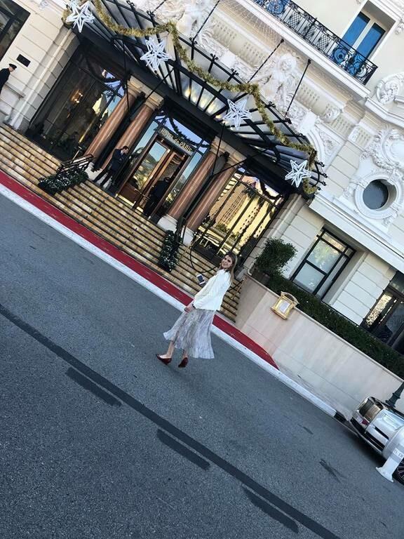Ποιος Έλληνας δημοσιογράφος συνάντησε τυχαία την Αθήνα Ωνάση (Pics)