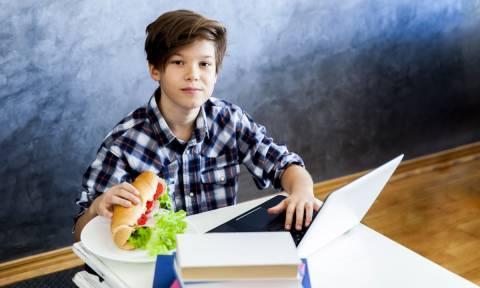 Παιδιά και διατροφή: Διατροφικές συμβουλές για αγόρια στην εφηβεία