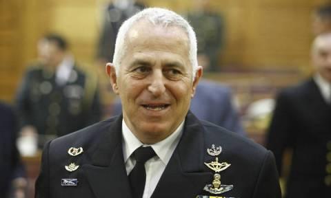 Ο αρχηγός ΓΕΕΘΑ αντήλλαξε ευχές με στελέχη των Ενόπλων Δυνάμεων που βρίσκονται σε υπηρεσία