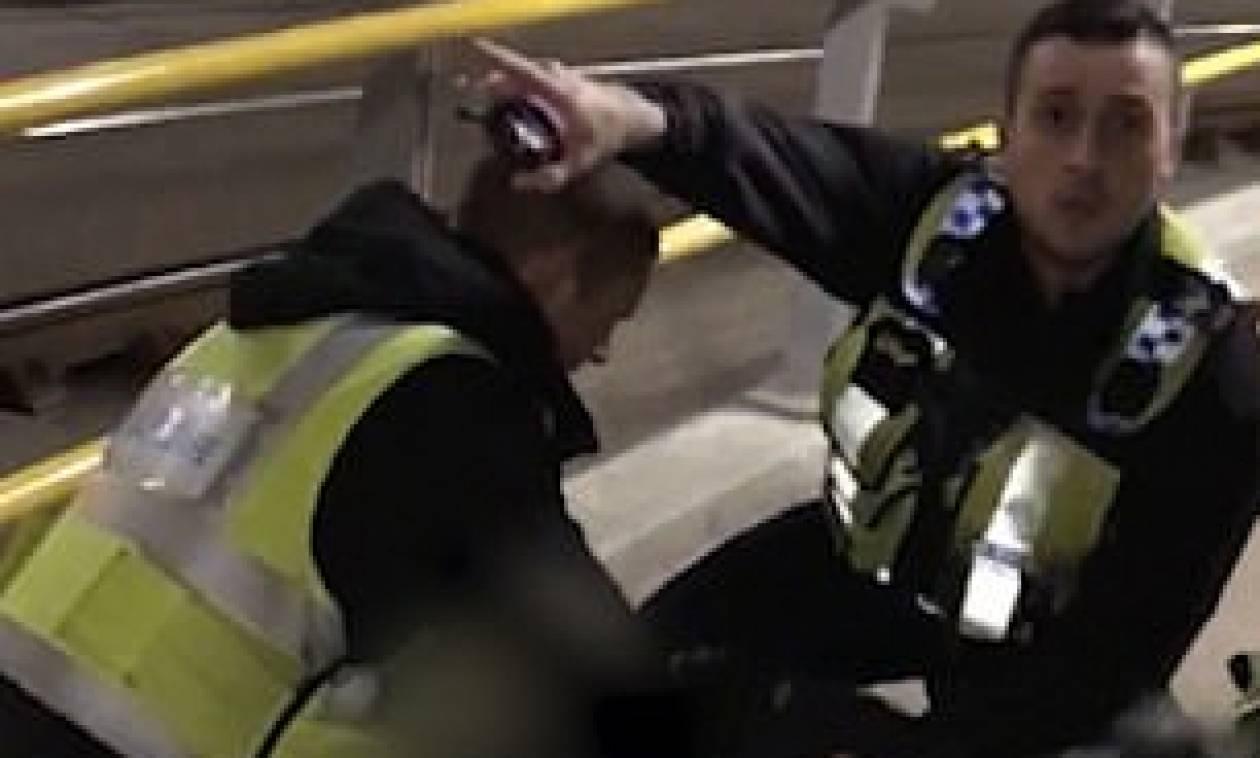 Ο τρόμος επέστρεψε: Επίθεση με μαχαίρι σε σταθμό στο Μάντσεστερ – Ο δράστης φώναζε Αλλάχ Ακμπάρ