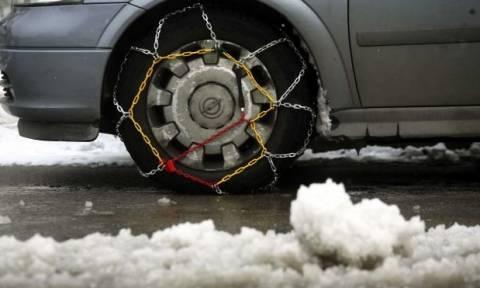 Καιρός: Πού απαιτούνται αλυσίδες για την κυκλοφορία των οχημάτων στην Θεσσαλία