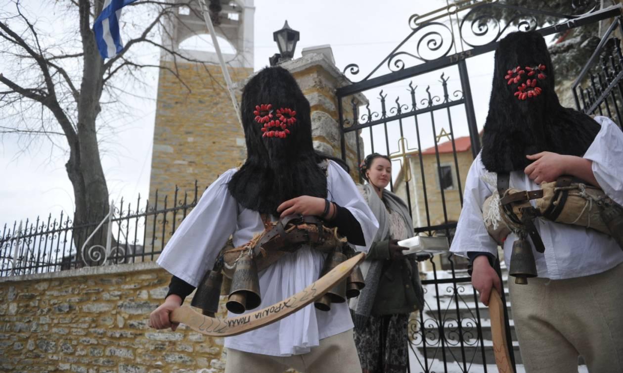 Πρωτοχρονιά: Αναβίωσαν τα Μπαμπαλούρια στο Λιβάδι Ελασσόνας (pics)
